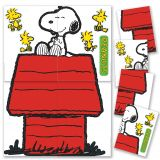 Giant Snoopy and Doghouse Bulletin Board Set